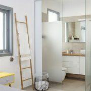 עיצוב מקלחת בחדר שינה