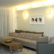 שילוב תאורת ספוטים בסלון